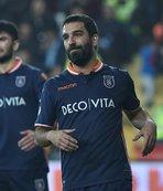 Lider Başakşehir'in konuğu Bursaspor