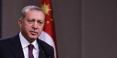 Cumhurbaşkanı Erdoğan, Galatasaray Başkanı Cengiz'i tebrik etti