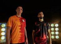 Galatasaray'ın yeni formaları tartışma çıkardı! Tüzüğe aykırı