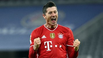Lewandowski hat trick as Bayern rallies to beat Dortmund 4-2