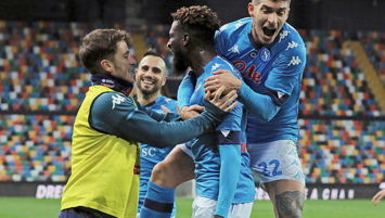 Napoli son dakikada güldü!