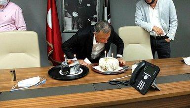 Beşiktaş Başkanı Ahmet Nur Çebi'ye sürpriz doğum günü kutlaması