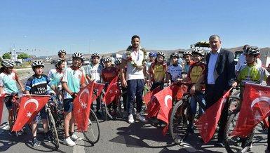 Olimpiyat üçüncüsü Taha Akgül'e Sivas'ta coşkulu karşılama