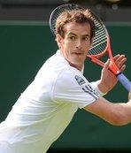 Federer ve Djokovic'i geçti