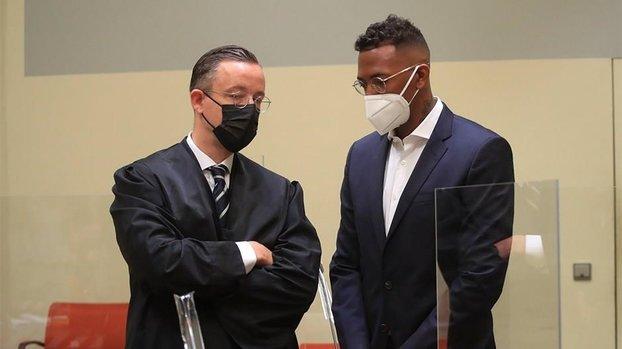 Jerome Boateng kız arkadaşını dövmekten suçlu bulundu!