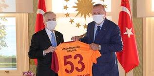 baskan erdogan mustafa cengizi kabul etti 1597757561084 - Başkan Recep Tayyip Erdoğan Ali Koç'u kabul etti