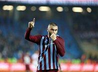 Burak Yılmaz'ın transferi Beşiktaş taraftarını ikiye böldü! İşte yorumlar...