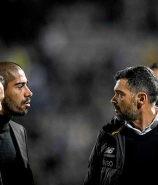 Porto Teknik Direktörü Conceiçao rakip teknik direktörü yumrukladı!