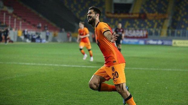 Son dakika transfer haberi: Galatasaray Emre Akbaba ile nikah tazeleyecek (GS spor haberi)