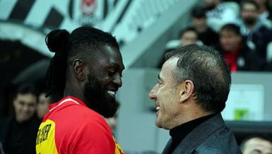"""Yıldız futbolcu canlı yayında açıkladı! """"Bu son maçımdı"""""""