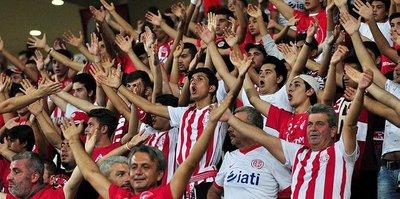 Antalyaspor taraftarı başarı bekliyor