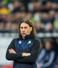 Wolfsburgda teknik direktör Schmidt istifa etti