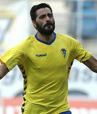 Fenerbahçe'nin eski futbolcusu Güiza 39'unda uzattı