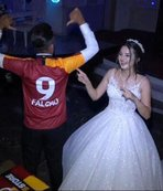 Düğünde Falcao forması giyen damada büyük sürpriz!
