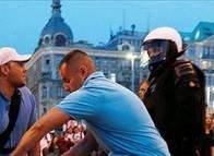 Polonya'da meydan kavgası!