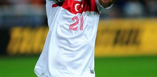 fenerbahce stoperde yerliye dondu milli yildiz 1593236564482 - Fenerbahçelileri heyecanlandıran açıklama! Aldair Rodriguez...