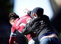 Aston Villa kaptanı Jack Grealish'e yumruklu saldırı