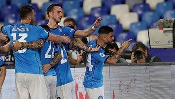 Napoli'den bir galibiyet daha! Seri 6 maça çıktı