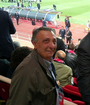Ahmet Nur Çebi'den gönderme