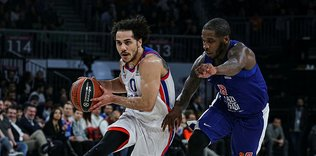 Larkin goes for 40 points aganist Olympiacos