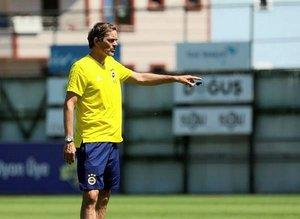 Fenerbahçe Teknik Direktörü Phillip Cocu'nun gözdesi Galatasaraylı Sinan Gümüş!