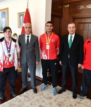 Vali Karahan şampiyon sporcuları ağırladı