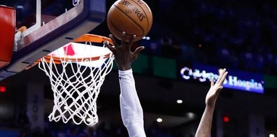 Raptors beat 76ers to even series at 2-2