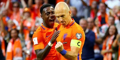 Hollanda, hayata döndü