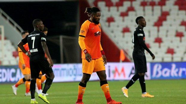 Galatasaray Luyindama'nın alternatiflerini belirledi! Japhel Tanganga, Min-Jae Kim, Anel Ahmedhodzic, Riechedly Bazoer...