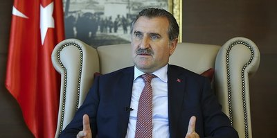 Gençlik ve Spor Bakanı Osman Aşkın Bak, milli tekvandocuları kutladı