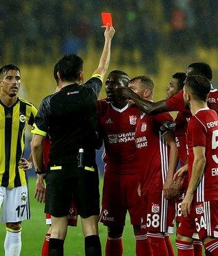 Kadıköy'de kırmızı kart