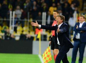 Fenerbahçe Koeman için kararını veriyor
