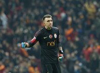 Galatasaray'ın kalecisi Fernando Muslera'ya PSG kancası!