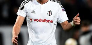 besiktasin eski yildizi mario gomez futbola veda ediyor 1592839386789 - Beşiktaş'tan Trezeguet harekatı!