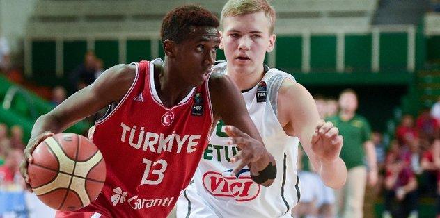 Anadolu Efes'in genç oyuncusu forma bekliyor