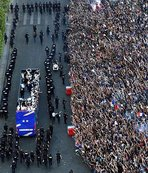 Fransızlar şampiyonluğu kutluyor! İşte Paris sokakları...