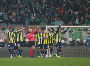 Fenerbahçe yine yenemedi sosyal medya yıkıldı! İşte yorumlar