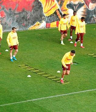 Galatasaray'da Rizespor maçı hazırlıkları çift antrenmanla sürüyor!