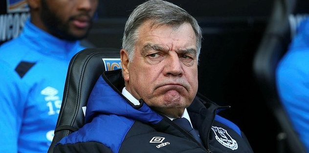 Everton'da Big Sam gönderildi
