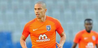 gokhan inler icin karar verildi gelecek sezon 1597848557100 - Medipol Başakşehir Martin Skrtel ile sözleşme yeniledi