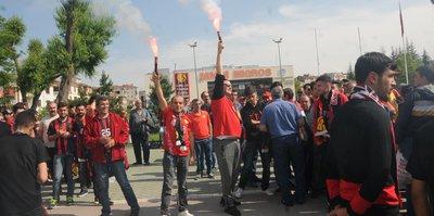 Eskişehirspor taraftarları Antalya'ya gitti