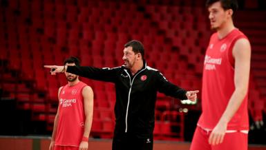 """A Milli Basketbol Takımı ile yolları ayrılan Ufuk Sarıca'dan ilk açıklama! """"Vicdanım rahat"""""""