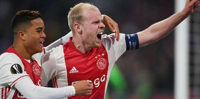 Ajax yolu yarıladı!