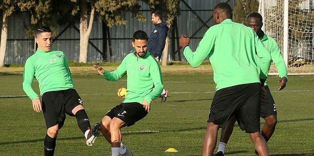 Akhisarspor Galatasaray maçı hazırlıklarına başladı