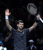 Novak Djokovic, Alexander Zverev'i 2 sette geçti
