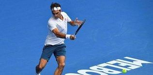 Roger Federer toprak korta geri dönüyor