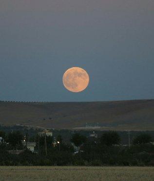 Ay tutulması ne zaman ve saat kaçta? Ay tutulması nereden izlenebilir? Ay tutulmasının burçlara etkisi...