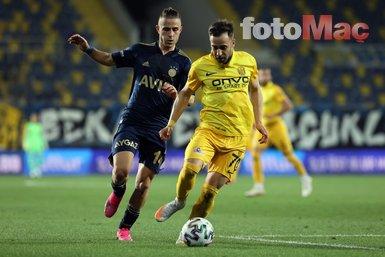 Son dakika spor haberi: Alper Potuk'tan Ankaragücü Fenerbahçe maçına damga vuran hareket!