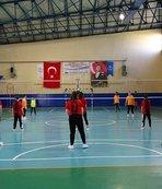 Voleybol turnuvası İncirliova'da start aldı