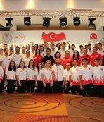Bakan Bak, Akdeniz Oyunları'nda yer alacak sporcularla buluştu